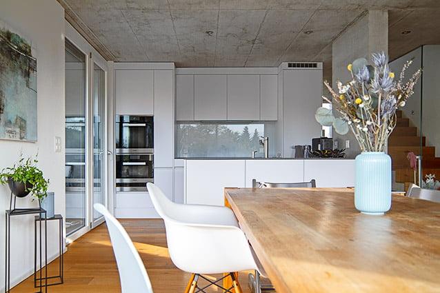 Offener Bereich Esszimmer – Küche im EFH-Neubau in Oberdorf