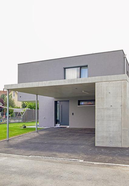 Carport und Hauseingang, Neubau EFH in Subingen