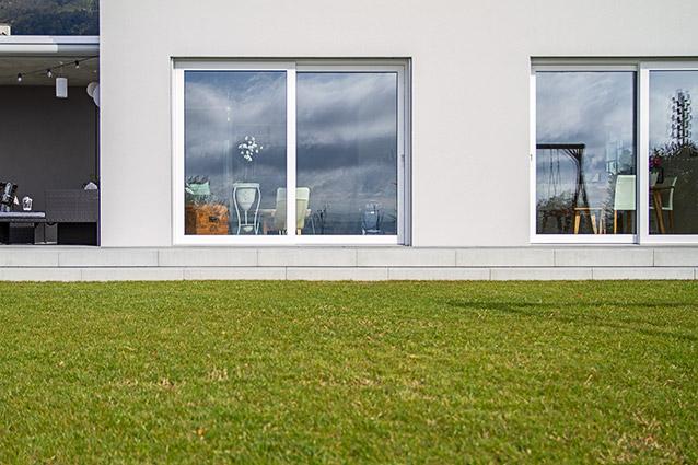 Schiebefenster im Einfamilienhaus-Neubau in Lommiswil
